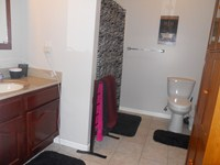 Bathroom in the larger one bedroom